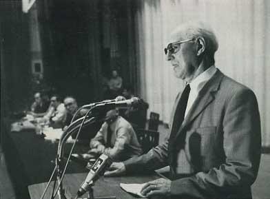 Charles Tillon, lors de la reconstitution du Secours Rouge 30 ans plus tard